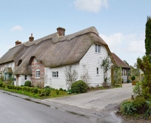 Snaptrip - Last minute cottages - Inviting Shaftesbury Cottage S19853 -