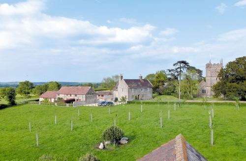 Snaptrip - Last minute cottages - Quaint Sherborne Cottage S19865 -