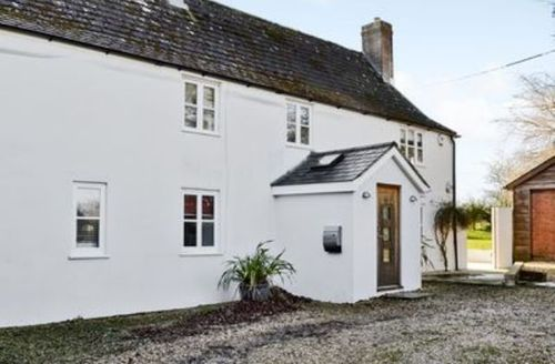 Snaptrip - Last minute cottages - Splendid Sherborne Cottage S19880 -