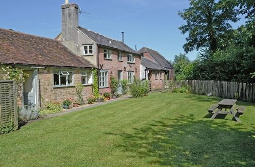Snaptrip - Last minute cottages - Delightful Sherborne Cottage S19882 -