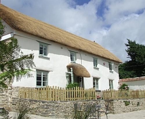 Pretty Thatched Cottage Sweet Bay Cottage Exterior