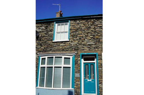 Snaptrip - Last minute cottages - Wonderful Windermere Cottage S1677 -
