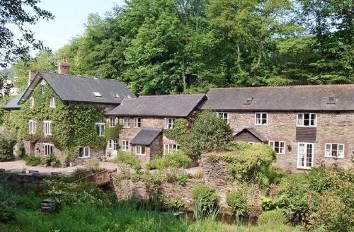 Snaptrip - Last minute cottages - Exquisite Dulverton Lodge S20087 -