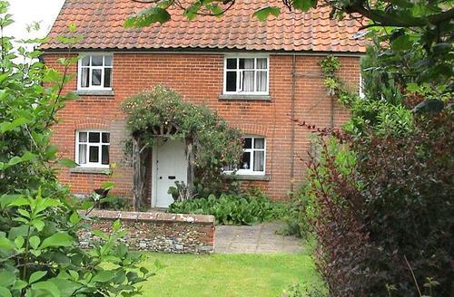 Snaptrip - Last minute cottages - Tasteful Southwold Cottage S1680 -