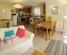 Snaptrip - Last minute cottages - Inviting Frome Apartment S20137 -