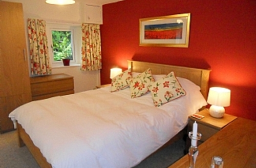 Snaptrip - Last minute cottages - Attractive Kendal Cottage S1685 - Lily Bedroom
