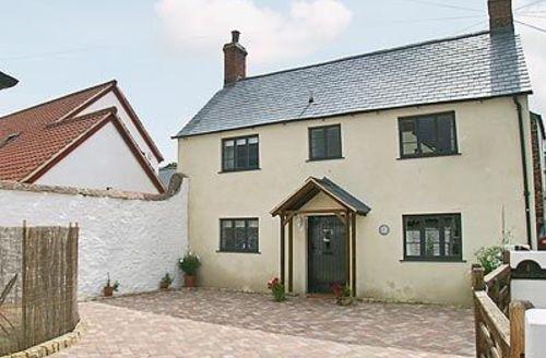 Snaptrip - Last minute cottages - Exquisite Minehead Cottage S20176 -
