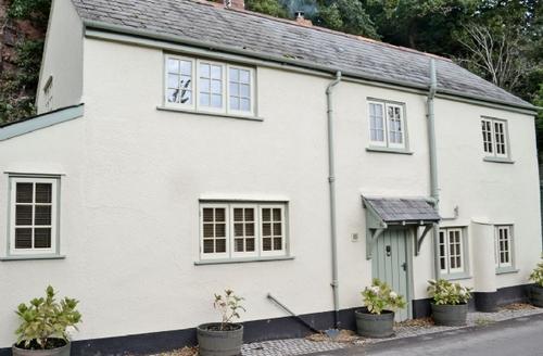 Snaptrip - Last minute cottages - Splendid Minehead Cottage S20190 -