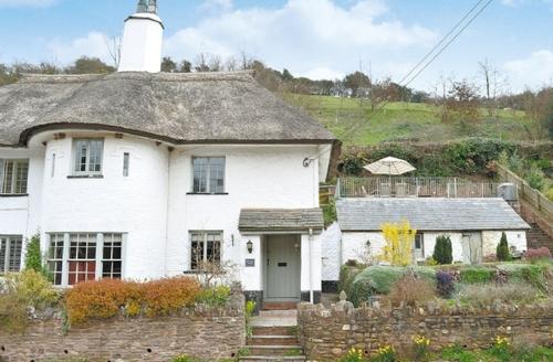Snaptrip - Last minute cottages - Splendid Minehead Cottage S20198 -