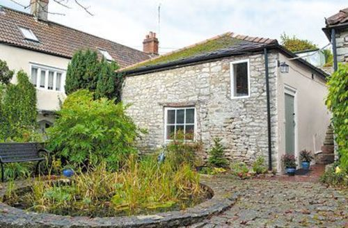 Snaptrip - Last minute cottages - Quaint Shepton Mallet Cottage S20223 -