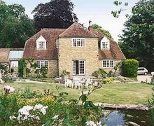 Snaptrip - Last minute cottages - Exquisite Yeovil Cottage S20358 -