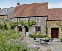 Snaptrip - Last minute cottages - Charming Yeovil Cottage S20362 -