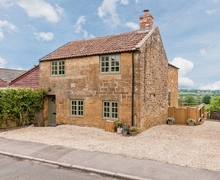 Snaptrip - Last minute cottages - Captivating Yeovil Cottage S20363 -