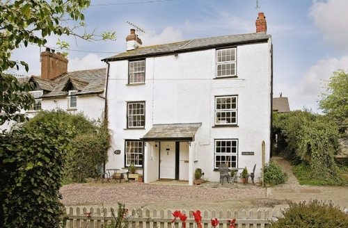 Snaptrip - Last minute cottages - Splendid Bude Cottage S20434 -