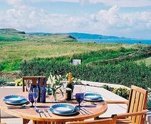 Snaptrip - Last minute cottages - Attractive Bude Apartment S20437 -