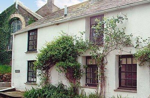 Snaptrip - Last minute cottages - Quaint Camelford Cottage S20502 -