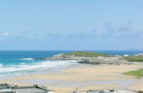 Snaptrip - Last minute cottages - Lovely Newquay Apartment S20581 -