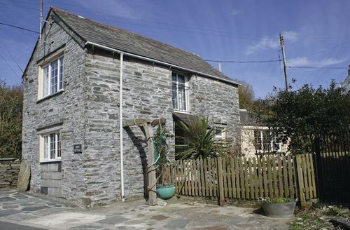 Snaptrip - Last minute cottages - Lovely Tintagel Cottage S20809 -