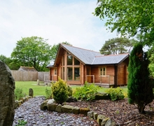 Snaptrip - Last minute cottages - Gorgeous St Columb Major Lodge S20818 -