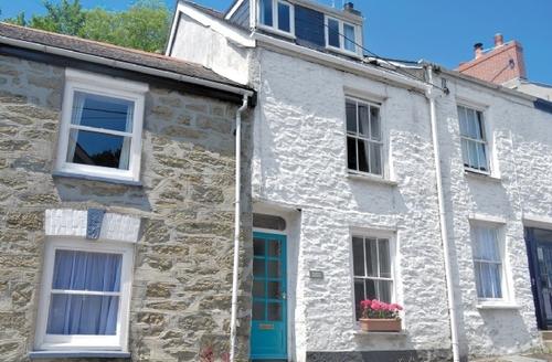 Snaptrip - Last minute cottages - Wonderful Falmouth Cottage S20856 -