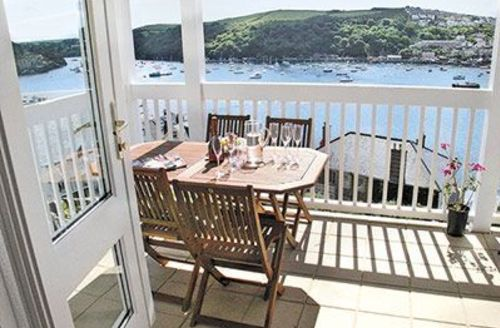 Snaptrip - Last minute cottages - Luxury Fowey Apartment S20909 -
