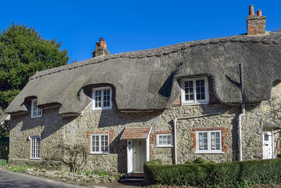 Charming Grade ll listed thatched property | Apple Tree Cottage, Shorwell - Apple Tree Cottage