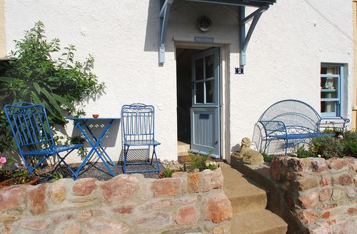 Snaptrip - Last minute cottages - Exquisite Torpoint Cottage S1772 - Outside Katys Cottage, Kingsand