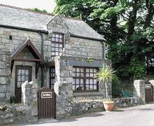 Snaptrip - Last minute cottages - Tasteful St Austell Cottage S21120 -