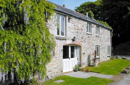 Snaptrip - Last minute cottages - Splendid Helston And The Lizard Peninsula Cottage S21200 -