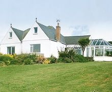 Snaptrip - Last minute cottages - Attractive Helston And The Lizard Peninsula Cottage S21205 -