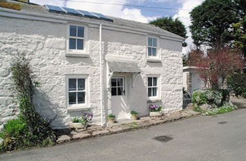 Snaptrip - Last minute cottages - Cosy Mousehole And Newlyn Cottage S21264 -