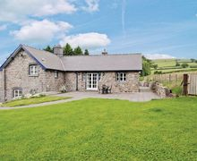 Snaptrip - Last minute cottages - Cosy Llandrindod Wells Cottage S21383 -