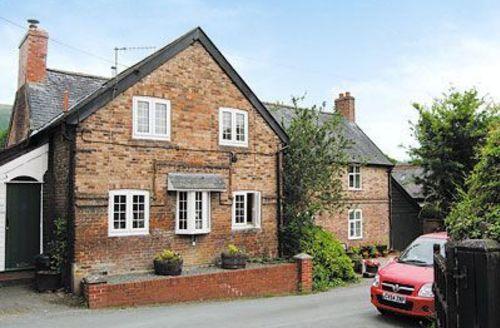 Snaptrip - Last minute cottages - Exquisite Newtown Cottage S21416 -