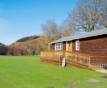 Snaptrip - Last minute cottages - Lovely Newtown Lodge S21419 -