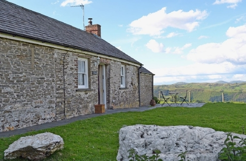 Snaptrip - Last minute cottages - Quaint Aberystwyth Cottage S21544 -