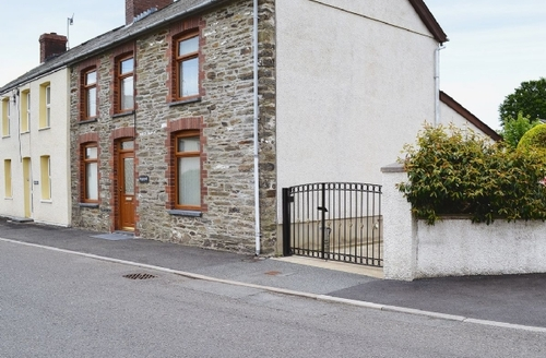 Snaptrip - Last minute cottages - Attractive Llandysul Cottage S21583 -