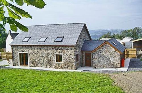 Snaptrip - Last minute cottages - Inviting Carmarthen Cottage S21637 -