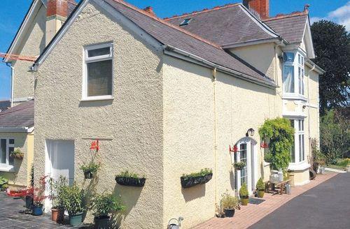 Snaptrip - Last minute cottages - Excellent Carmarthen Cottage S21638 -