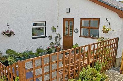 Snaptrip - Last minute cottages - Adorable Llansteffan Cottage S21747 -