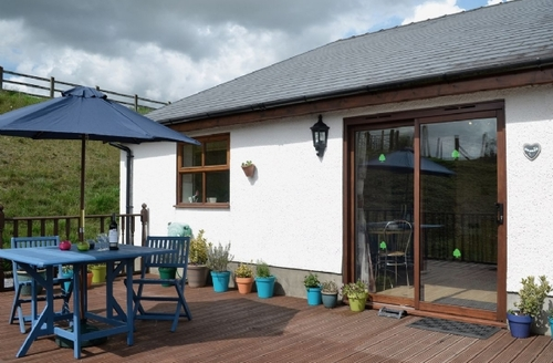 Snaptrip - Last minute cottages - Captivating Llansteffan Cottage S21757 -
