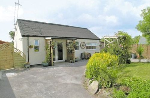 Snaptrip - Last minute cottages - Excellent Llansteffan Cottage S21758 -