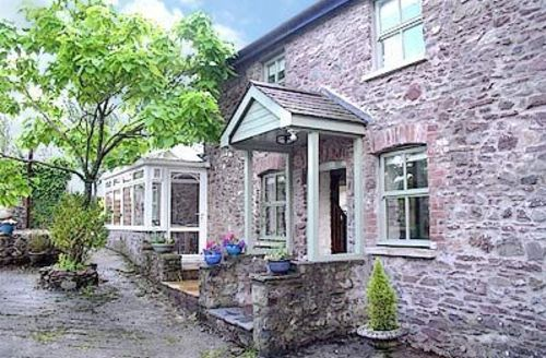 Snaptrip - Last minute cottages - Stunning Llansteffan Cottage S21765 -
