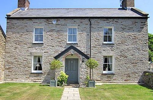 Snaptrip - Last minute cottages - Attractive Swansea Cottage S21791 -