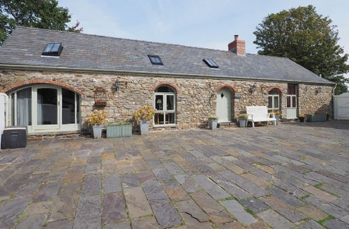Snaptrip - Last minute cottages - Beautiful Swansea Cottage S21801 -