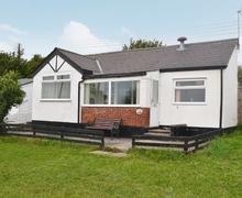Snaptrip - Last minute cottages - Quaint Swansea Cottage S21813 -