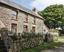 Snaptrip - Last minute cottages - Attractive Fishguard Cottage S21818 -