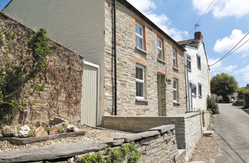 Snaptrip - Last minute cottages - Luxury Fishguard Cottage S21846 -