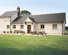 Snaptrip - Last minute cottages - Inviting Narberth Cottage S21893 -