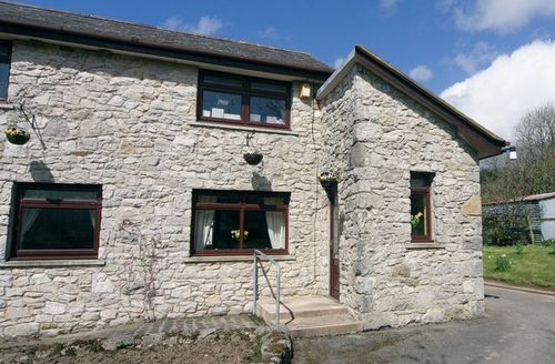 Snaptrip - Last minute cottages - Tasteful Corwen And The Berwyn Mountains Cottage S21970 -