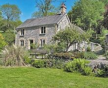 Snaptrip - Last minute cottages - Charming Corwen And The Berwyn Mountains Cottage S21979 -